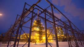 La OPEP+ tiene 'adivinando' al mercado sobre si aumentará producción de barriles
