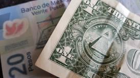 Peso tiene una sesión 'agitada' y cae frente al dólar en primer día de reuniones de Jackson Hole
