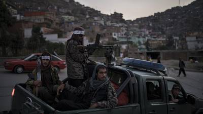Talibanes anuncian Gobierno sin mujeres y refuerzan su tendencia conservadora